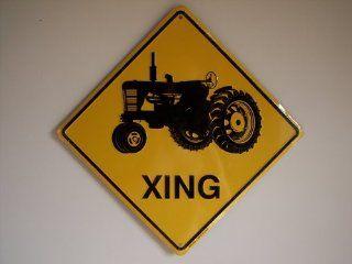 Tractor Xing diamond shaped metal sign   Decorative Signs