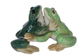 SALT and PEPPER Shakers FROGS 1 Dark Green 1 Light Green Hug MINIATURE New Porcelain KLIMA L871 Kitchen & Dining