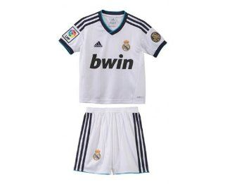 REAL MADRID Home 2012/2013 Junior Soccer Mini Kit Sports & Outdoors