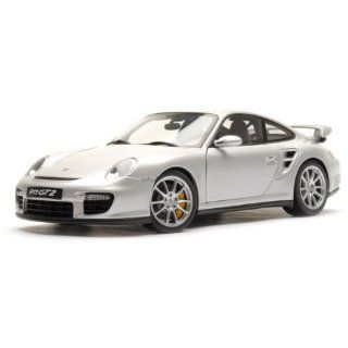 PORSCHE 911 (997) GT2   SILVER Diecast Model Car in 118 Scale by AUTOart Toys & Games