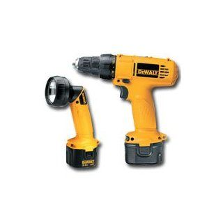 DEWALT DC926LA Heavy Duty 9.6 Volt Compact 3/8 Inch Adjustable Clutch Drill/Driver Kit with BONUS DW902 9.6 Volt Pivoting Head Flashlight   Power Impact Drivers
