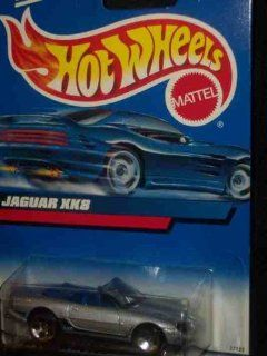 #2000 165 Jaguar XK8 Collectible Collector Car Mattel Hot Wheels 164 Scale Toys & Games