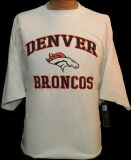 5XL NFL Denver Broncos White Short Sleeve Screenprint T shirt  Sports Fan Apparel  Sports & Outdoors