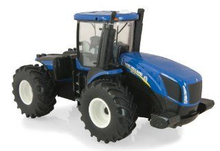 Ertl New Holland T9.560 Diecast Tractor, 132 Scale Toys & Games