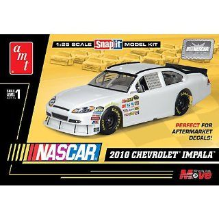 1/25 NASCAR Generic AW Chevy Monte Carlo SNAP Kit Toys & Games