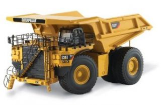 Norscot Cat 797F Off Highway Truck 150 scale Toys & Games