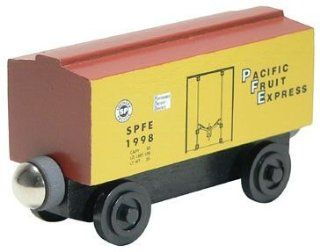Whittle Shortline Railroad   Pacific Fruit Express Wooden Box Car   100219 Boxcar Toys & Games
